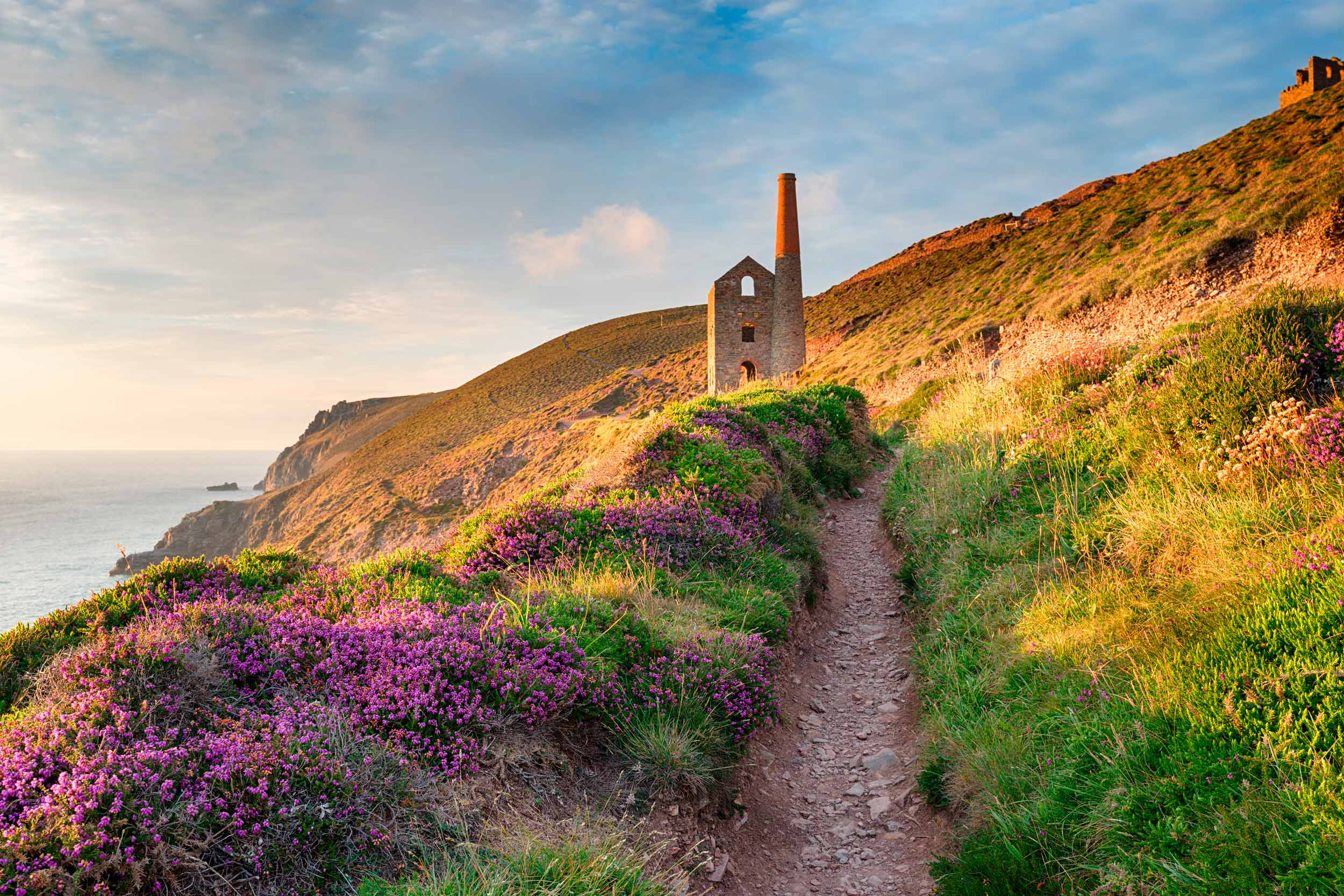 The South West Coast Path at Wheal Coates near St Agnes, Cornwall  (Helen Hotson/Shutterstock)