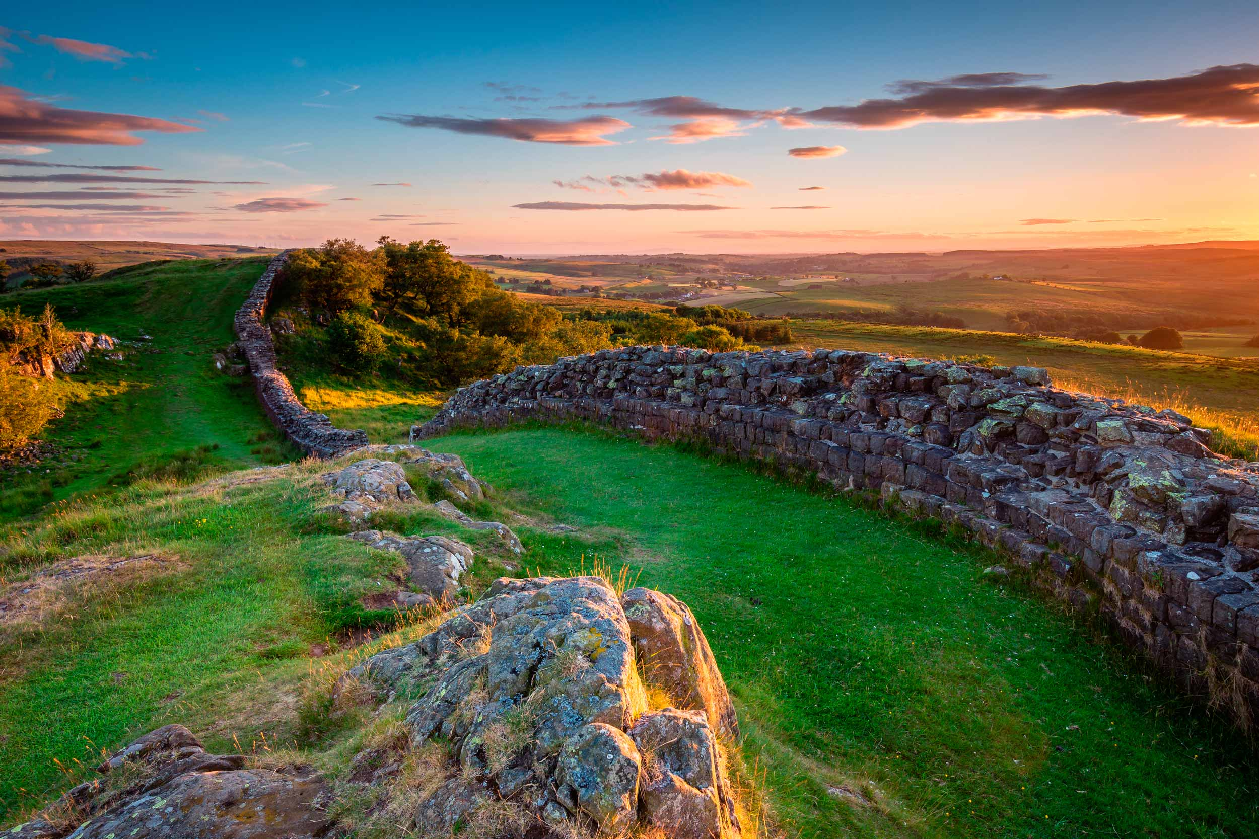 Hadrian's Wall, near Walltown, Northumberland, England  (Dave Head/Shutterstock)