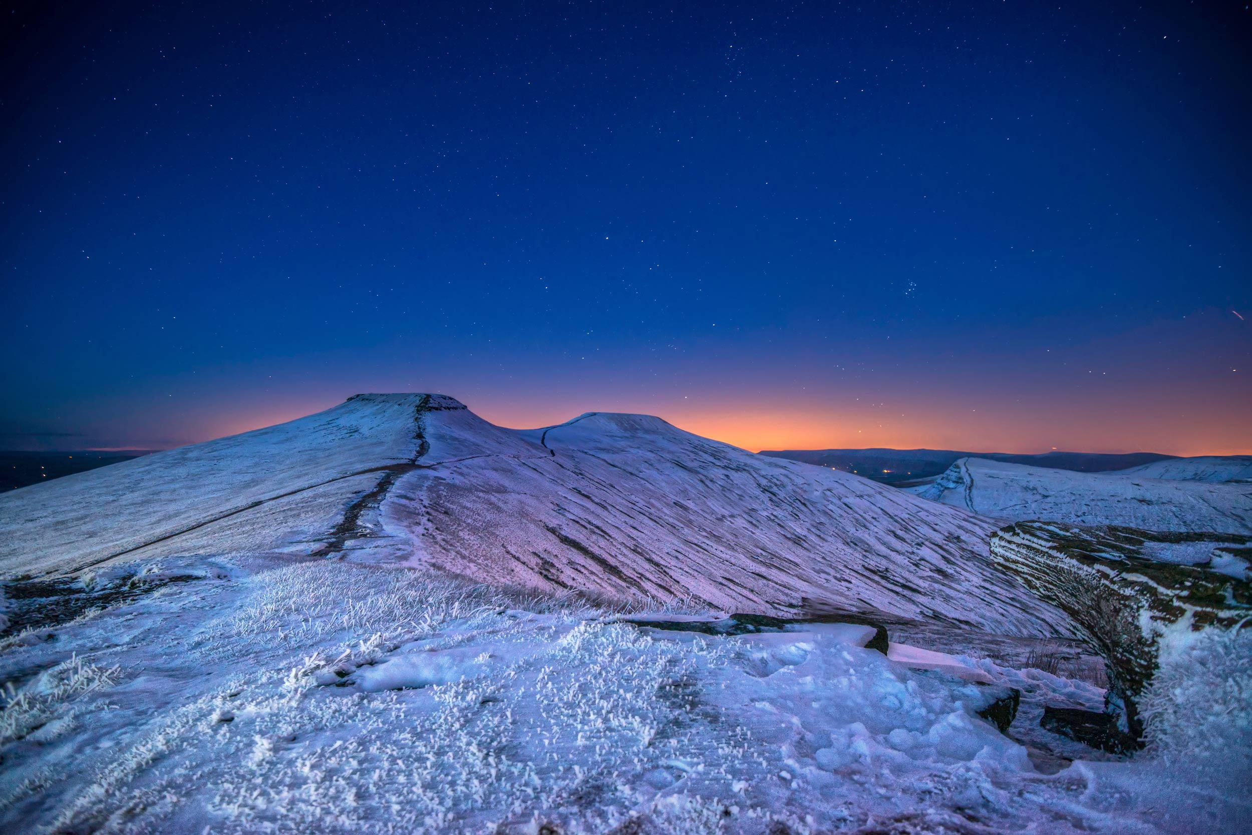 Pen-y-Fan and Corn Du in the Brecon Beacons  (Crown copyright 2018/Visit Wales)