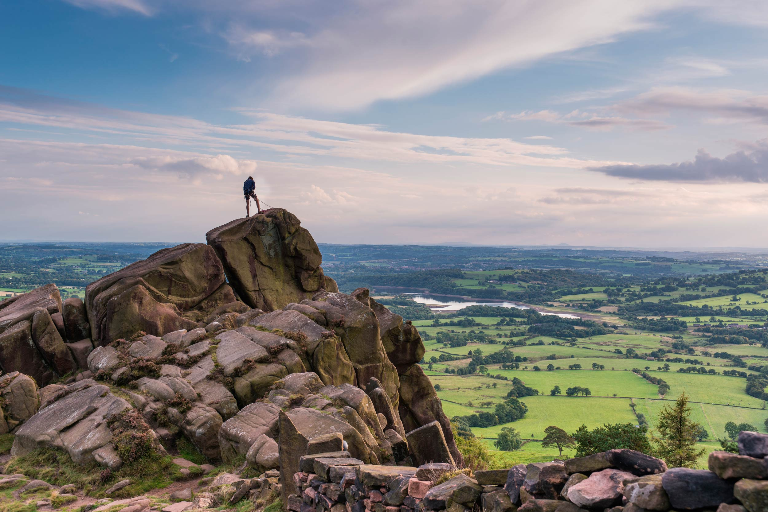 The Roaches,with views to Tittesworth Reservoir,Peak District, England  (Sponner/Shutterstock)