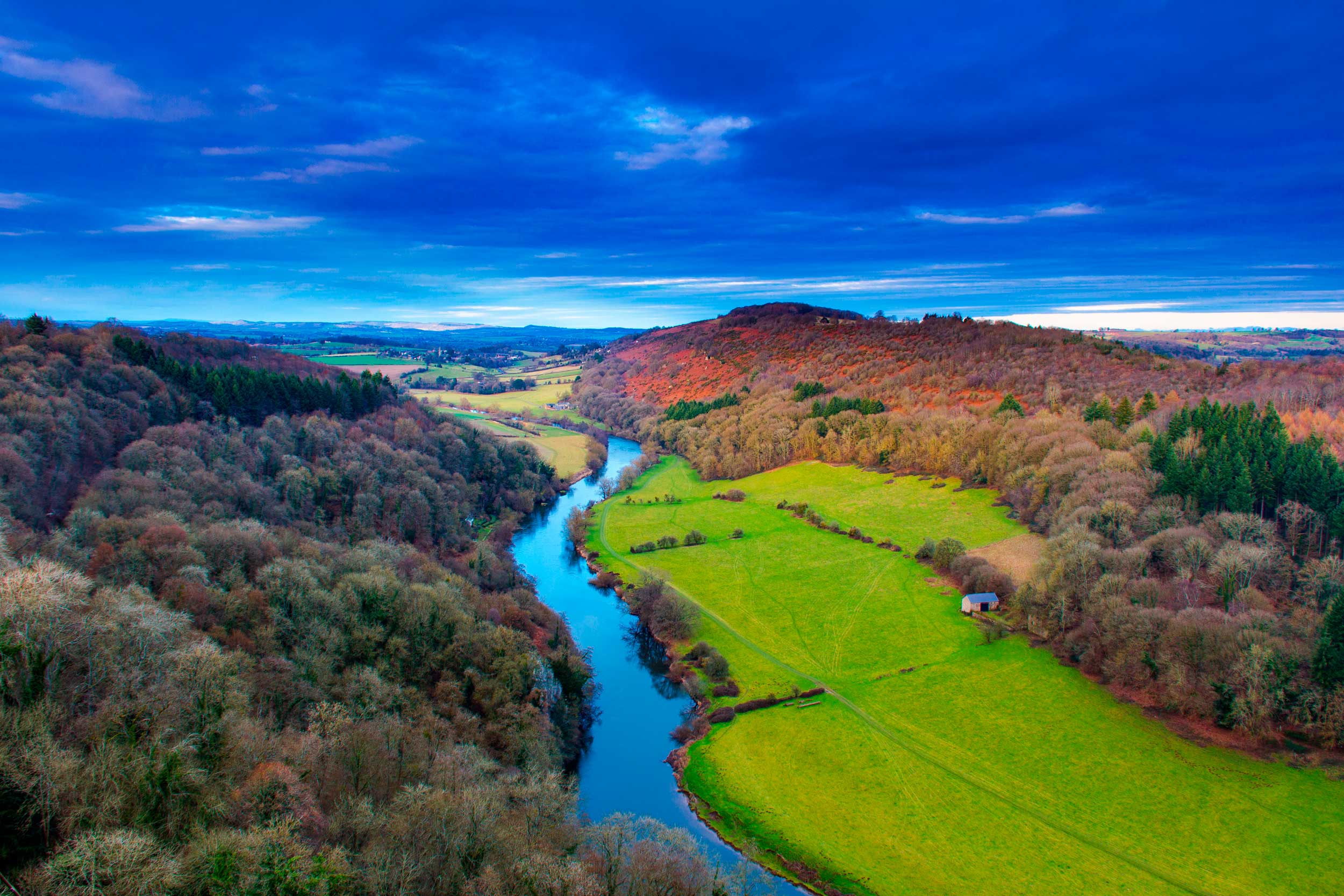 The Symonds Yat view of the river Wye again  (SuxxesPhoto/Shutterstock)