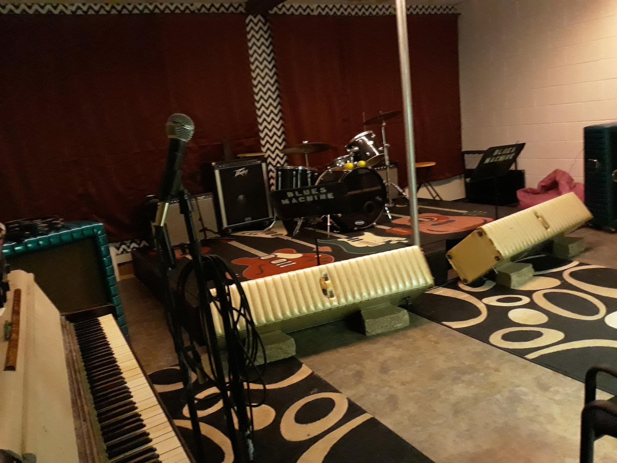 Stage room.jpg