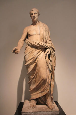 Unknown Roman dressed in a himation, from the rectangular peristyle of the Villa dei Papiri, Herculaneum, now in the Museo Archeologico Nazionale, Naples, first century CE (photo: Arthur P. Urbano)