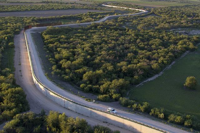 Southwest Texas McAllen Border Fence, Rio Grande Valley [Photographer:  Donna Burton  ]