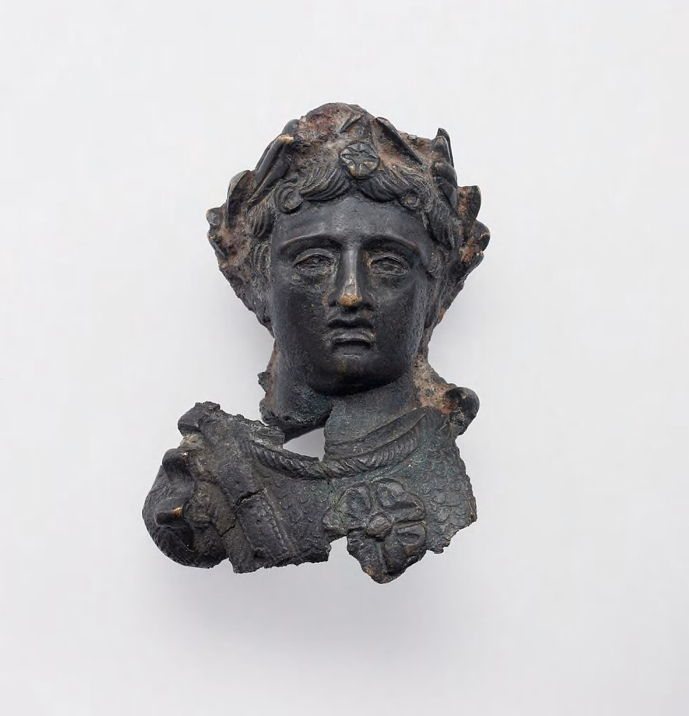 Emperor Bust Weight, 1st c. CE ( Harvard Art Museums /Arthur M. Sackler Museum, Gift of Walter C. Baker).