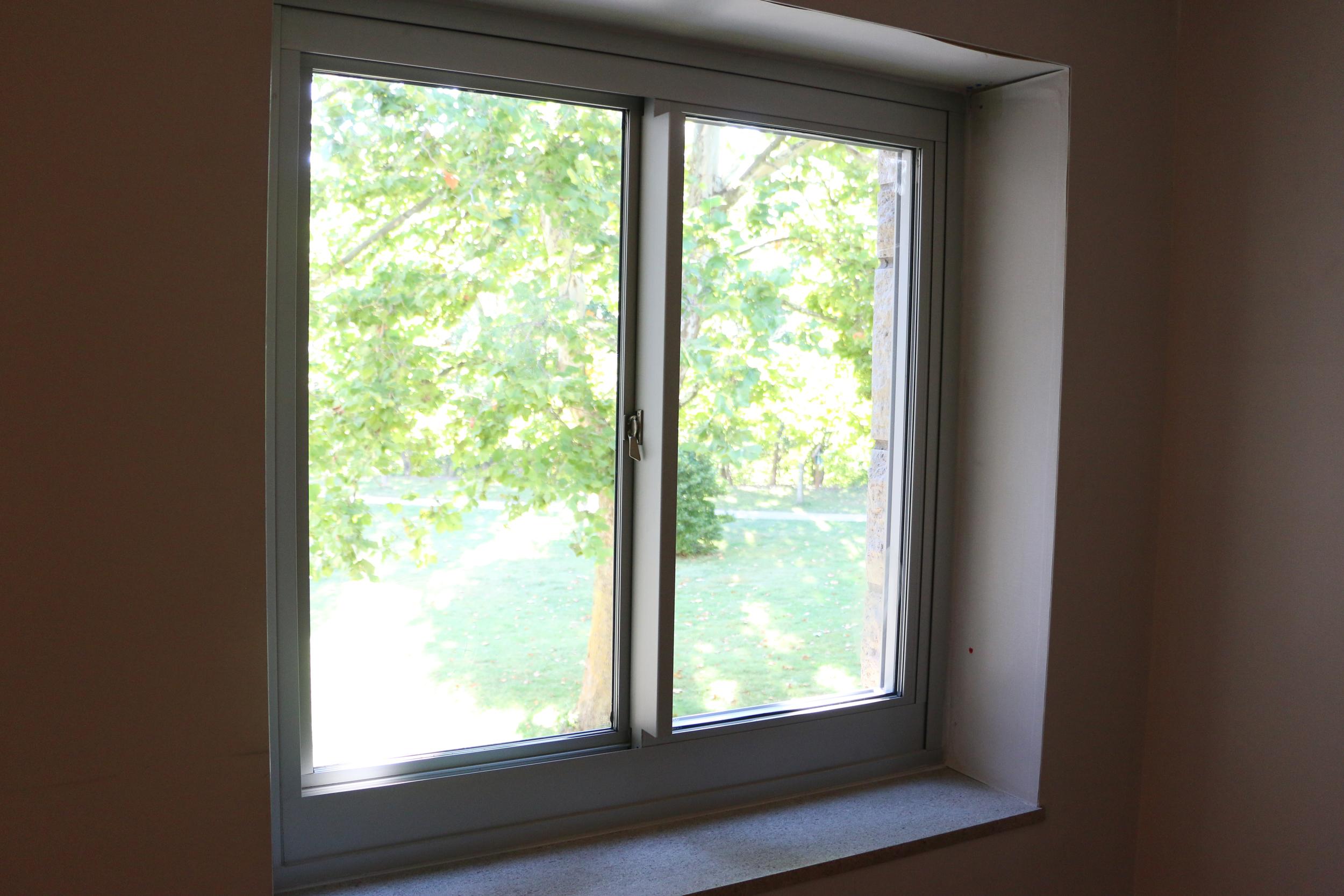 window_100215_10.jpg