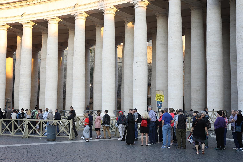 Pilgrimage_Rome_3236_StPeters.jpg