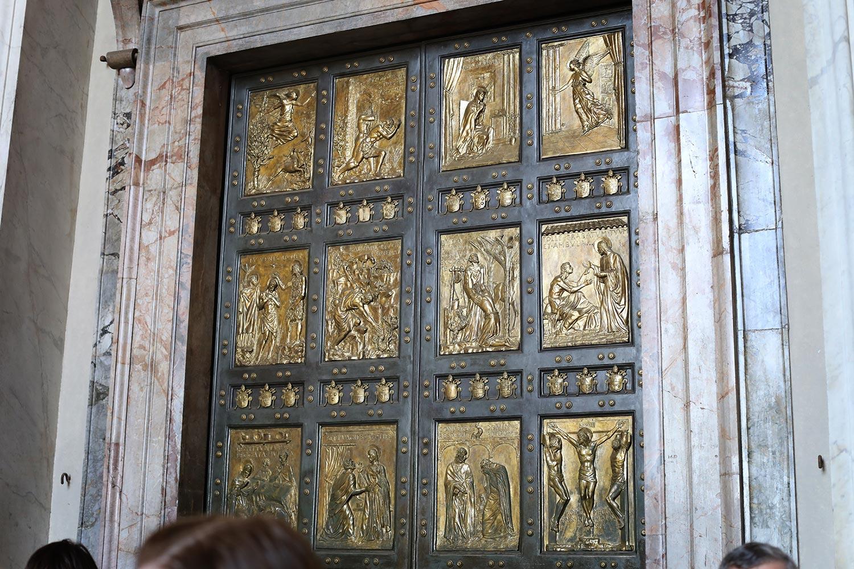 Pilgrimage_Rome_3383_StPeters.jpg