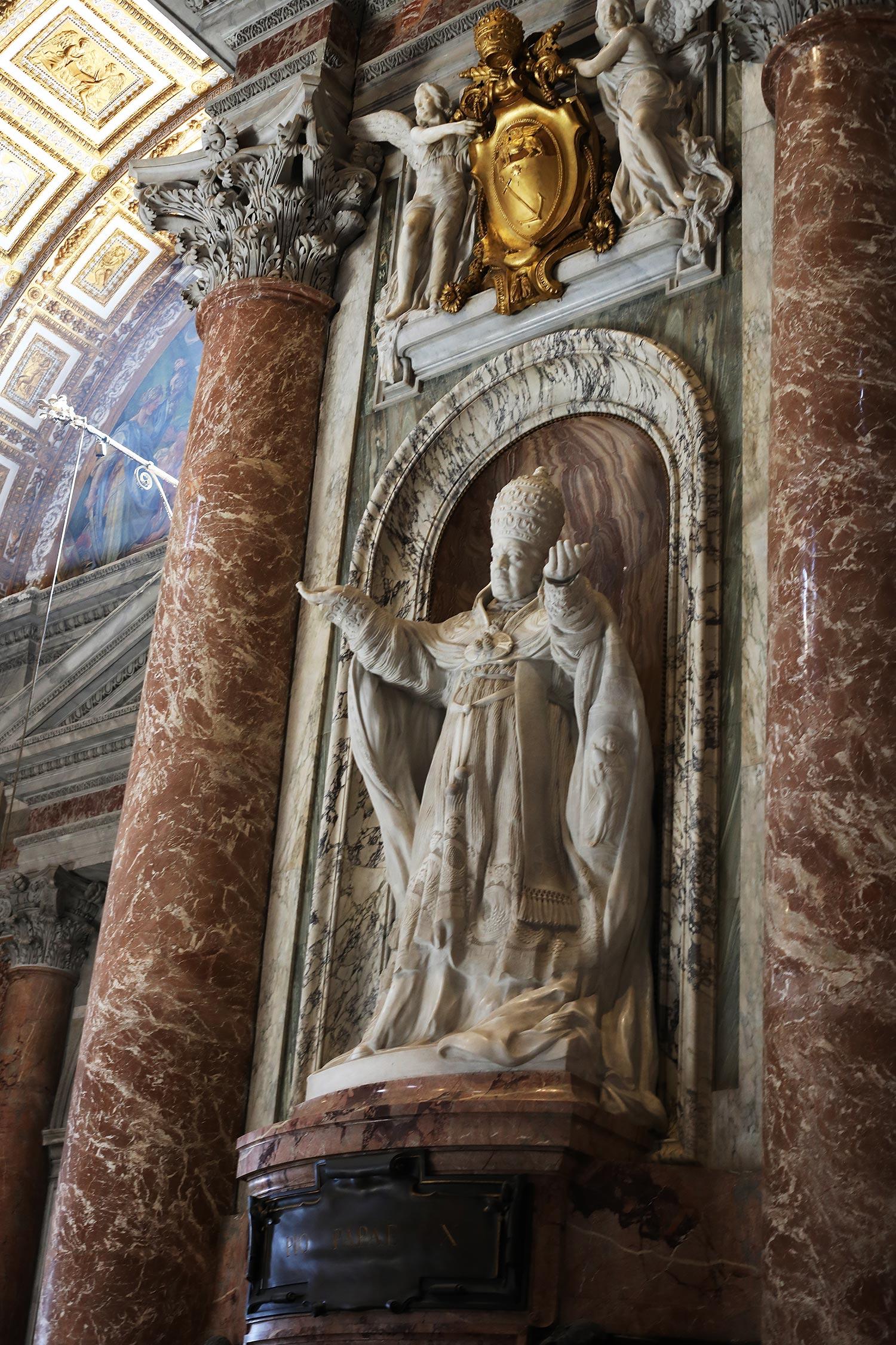 Pilgrimage_Rome_3407_StPeters.jpg