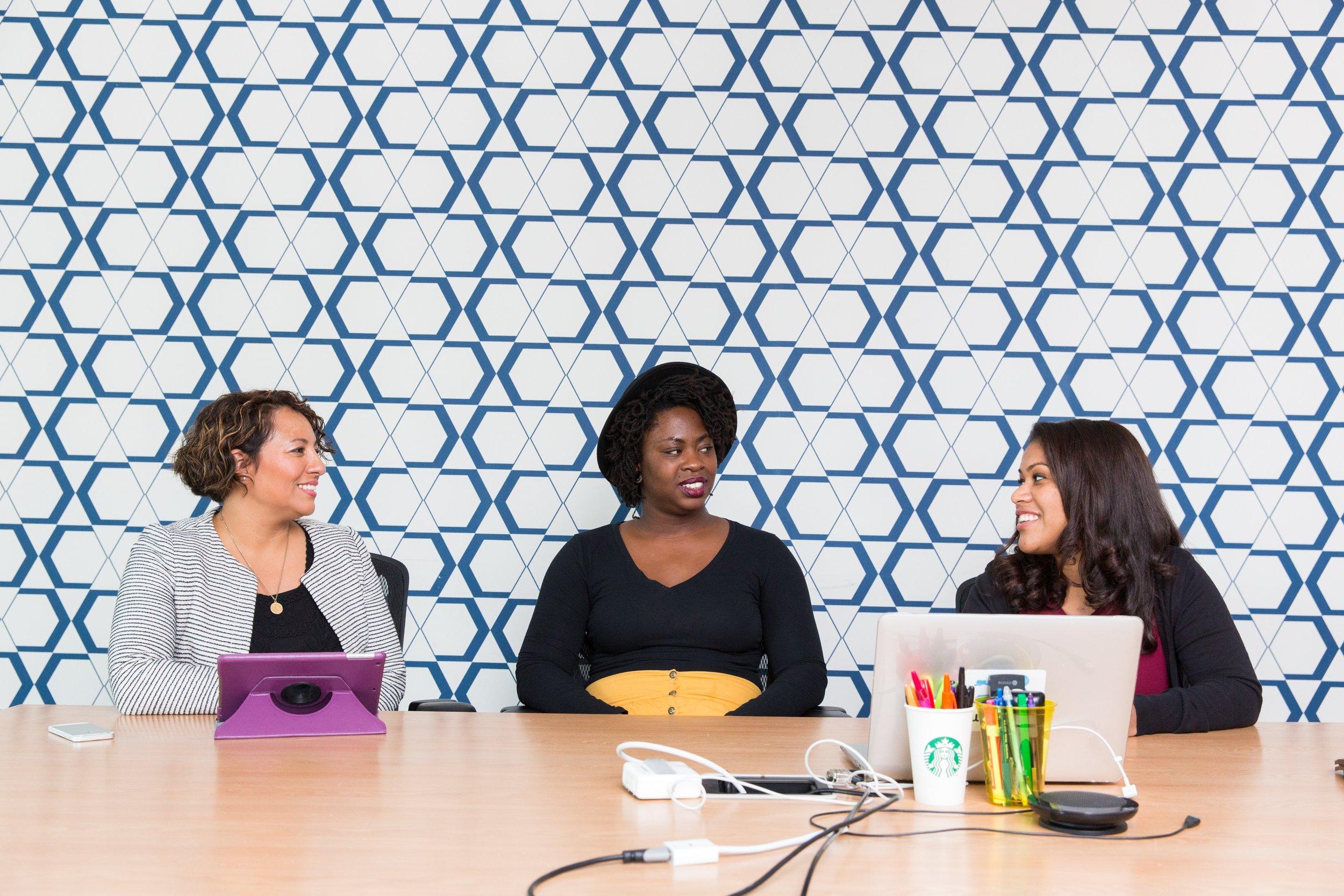 We   inspire   women through real-world start-up stories.