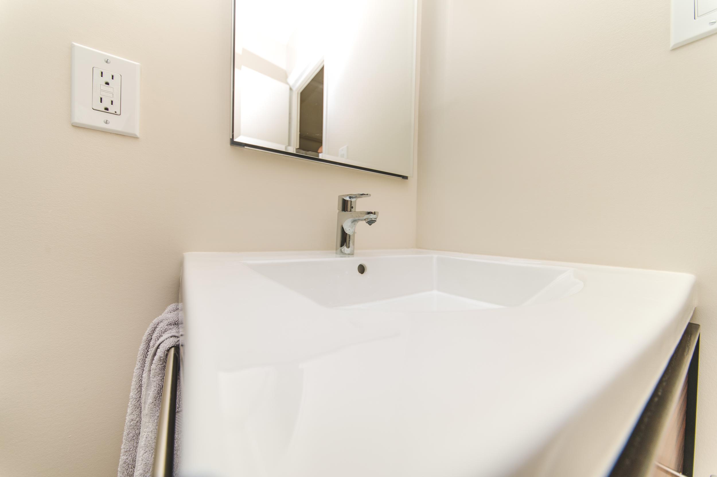 Claudia Silver Spring two Bathrooms-21.jpg