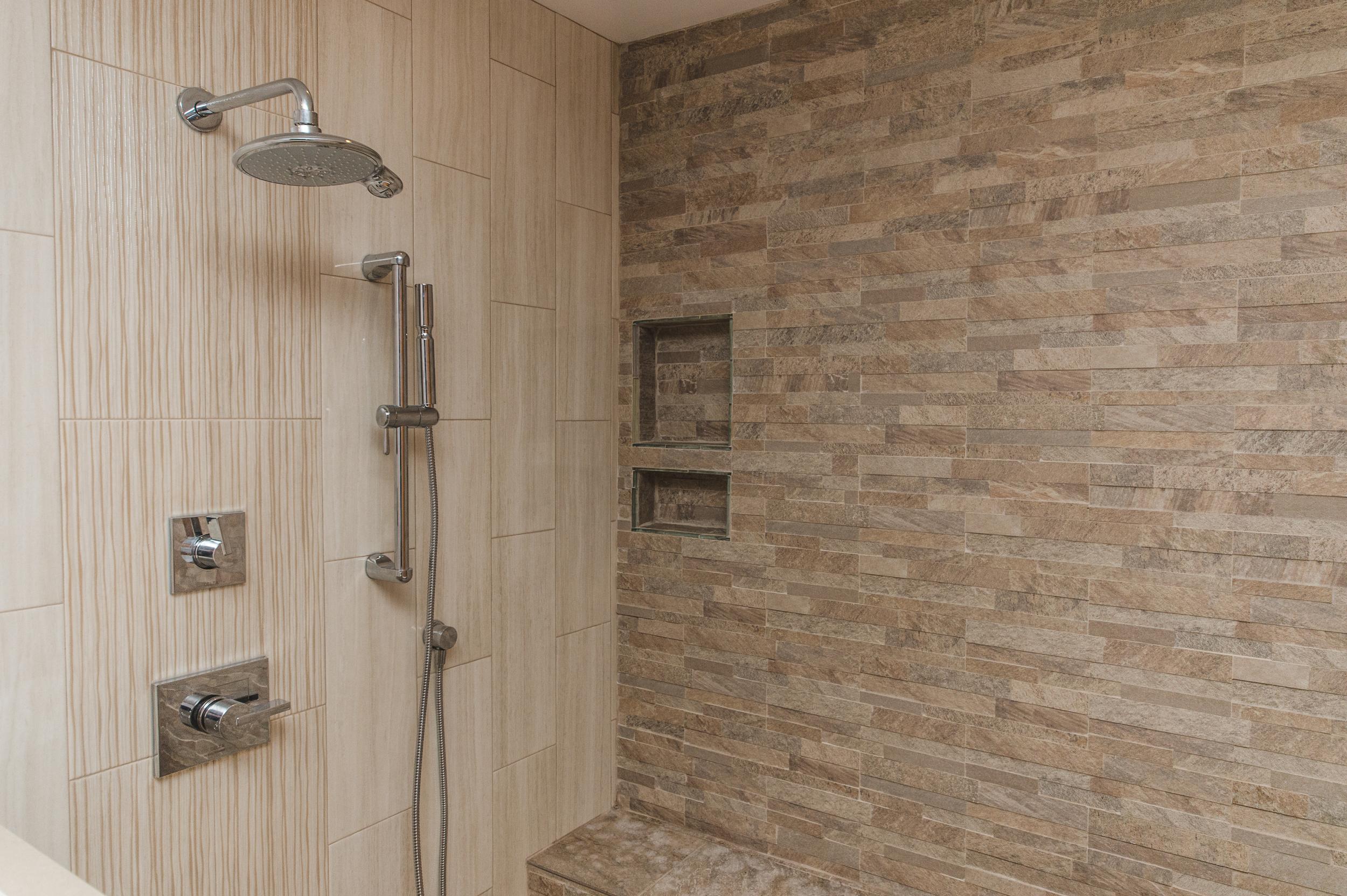 Lesslie Bathroom Potomac MD-16.jpg