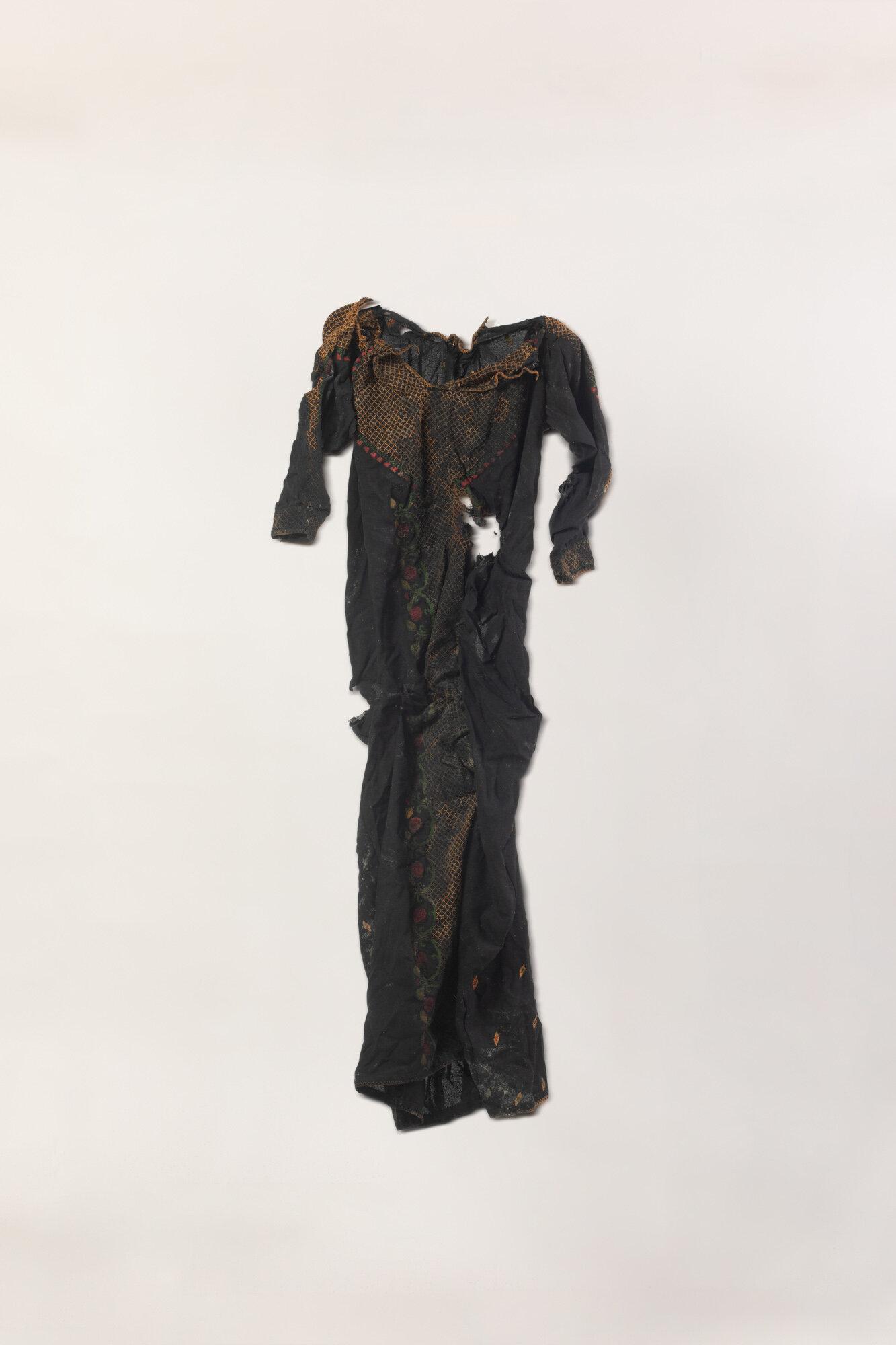 Dress6DressOnNaturalBackground.jpg