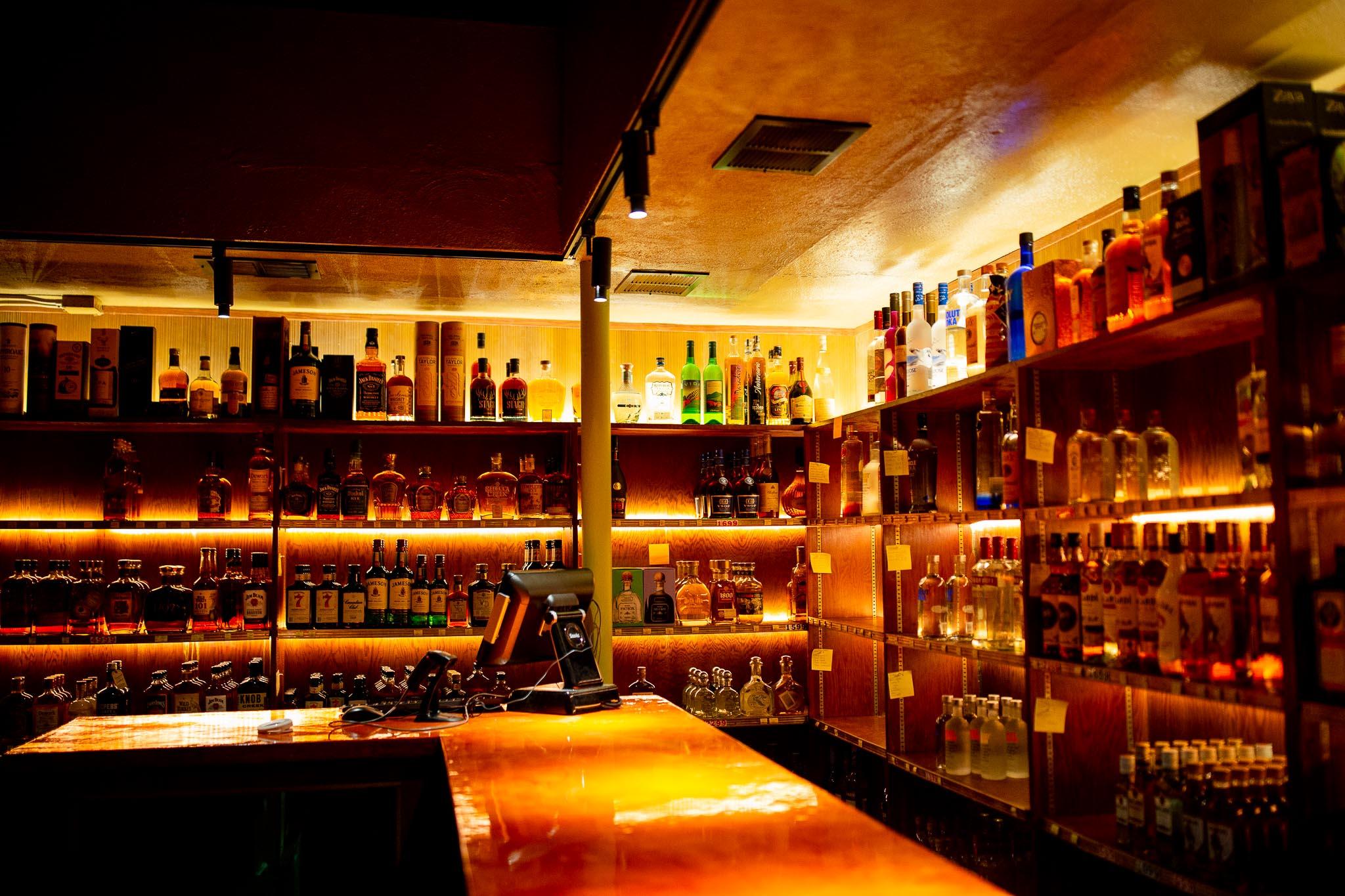 Wallys-Liquor-Store.jpg