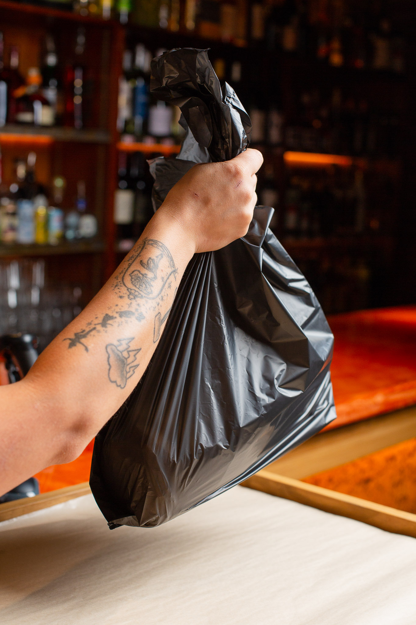 Wallys-Liquor-Bag.jpg