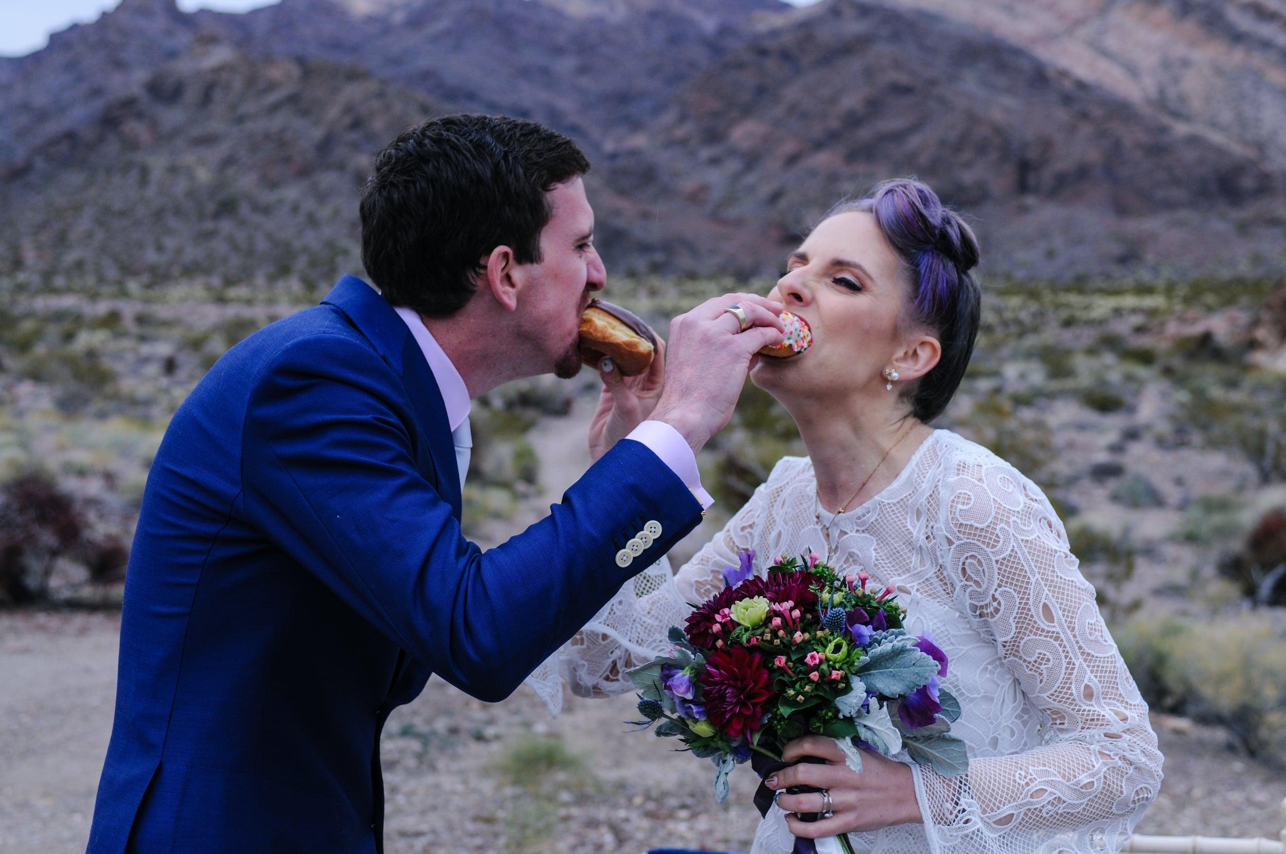 pop up wedding, flora pop wedding, elopement, las vegas elopement, desert elopement, smoke bomb wedding