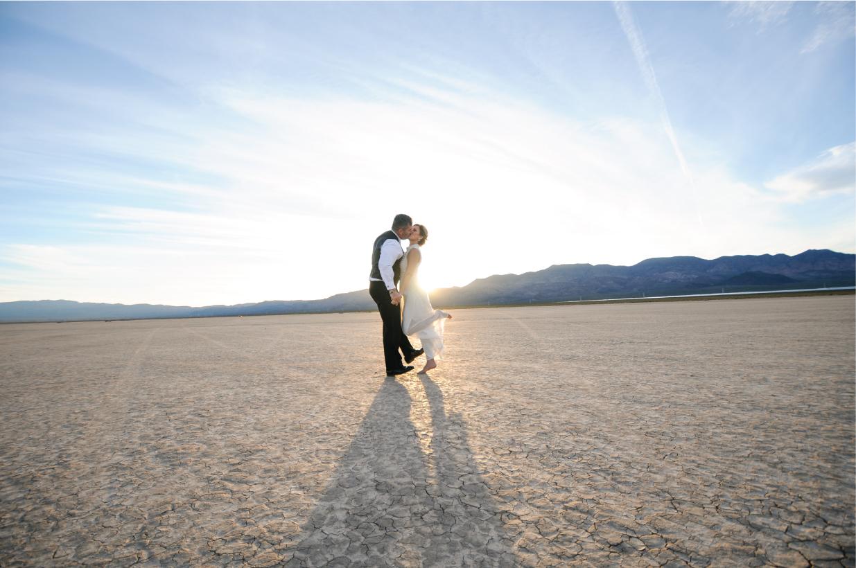 pop up wedding, las vegas elopement, ashley marie myers, las vegas wedding, elopement, desert elopement, vintage elopement