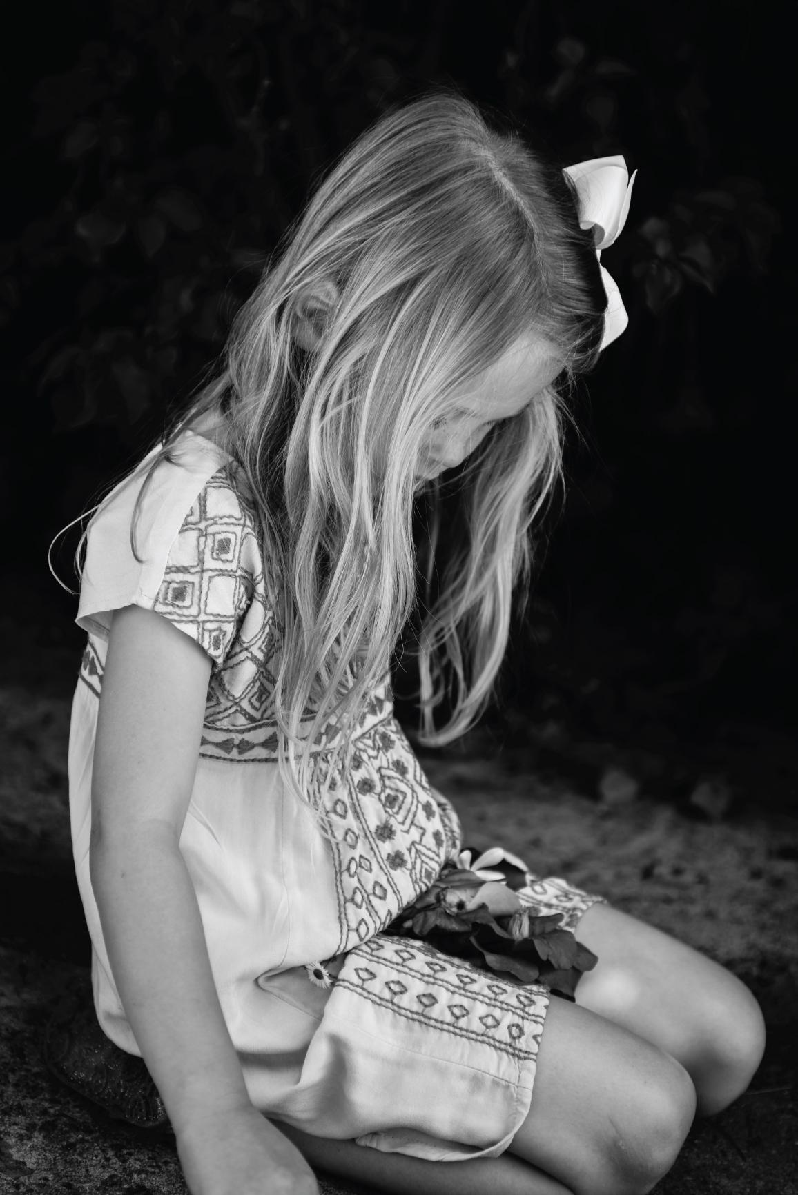 lifestyle children photography, children photography, ashley marie myers, photographing children, how to photograph children, summer, old navy, jellies, children photos, photography of children