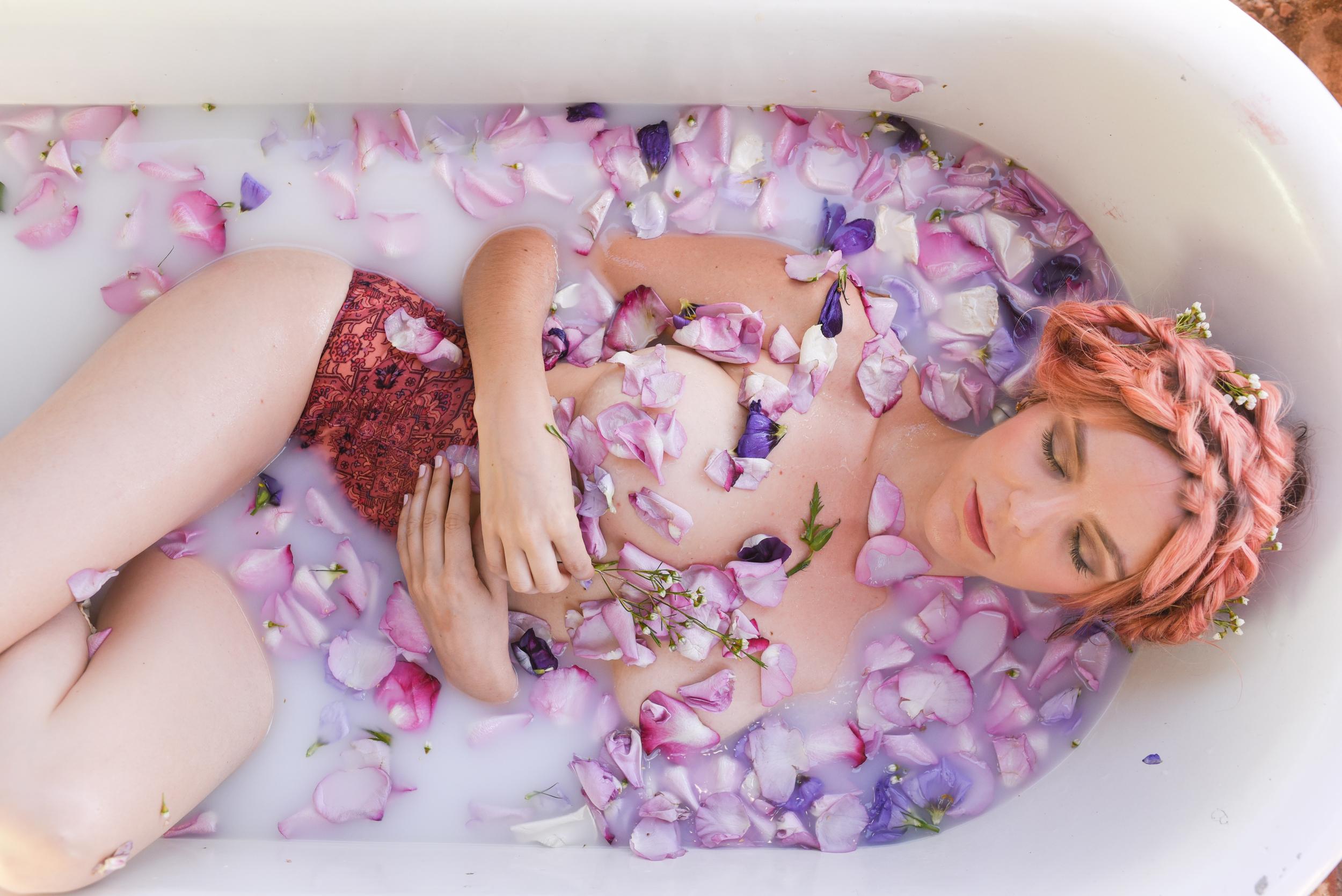 rose bath, milk bath, flores lane candles, boho bunnie, joshua tree, rose petal bath, milky bath shoot, pink hair, pastel pink hair, overtone pink hair