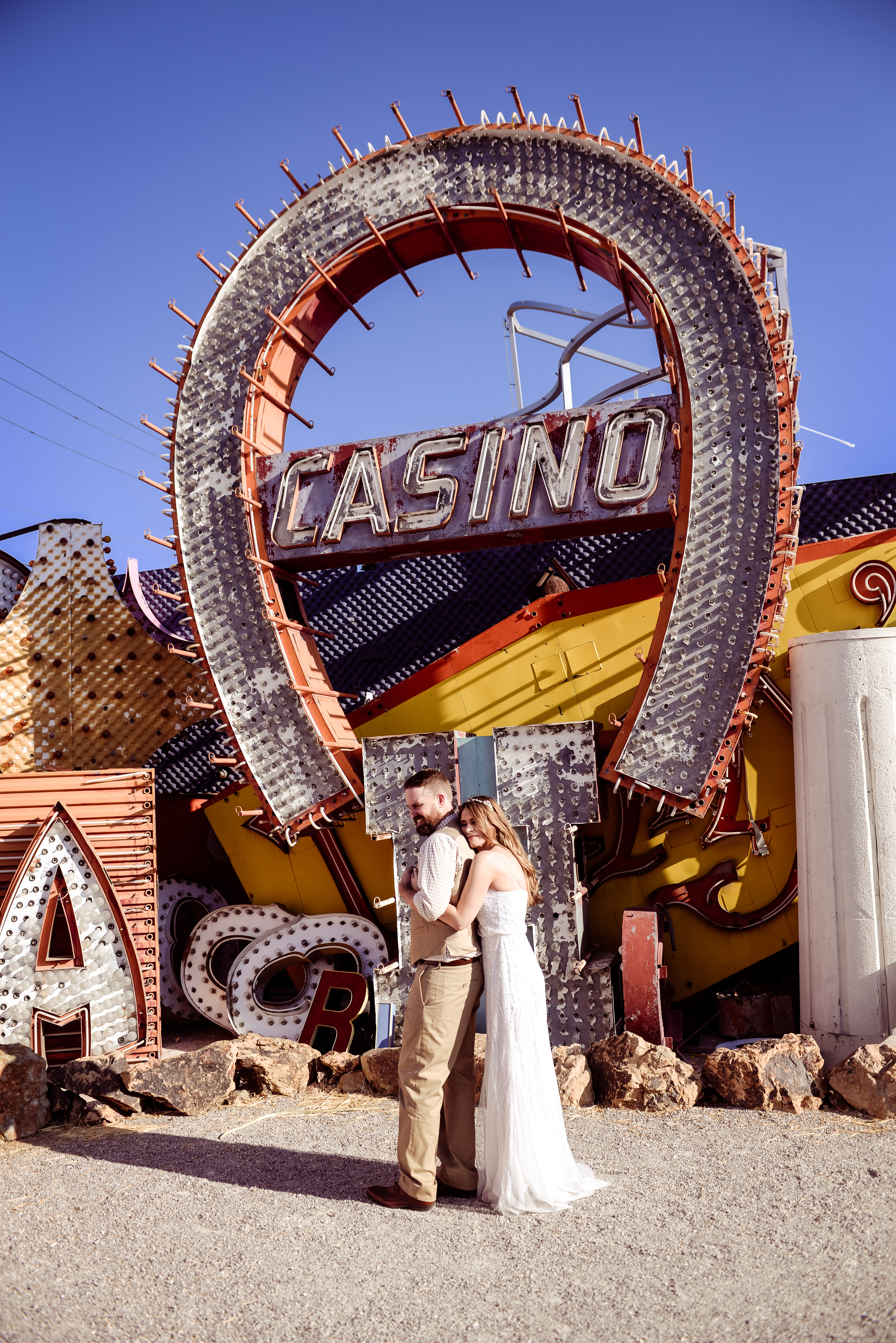 dtlv, las vegas downtown, downtown las vegas elopement, neon museum las vegas, las vegas neon museum, pop up wedding flora pop wedding, flora pop, dry lake beds, las vegas elopement