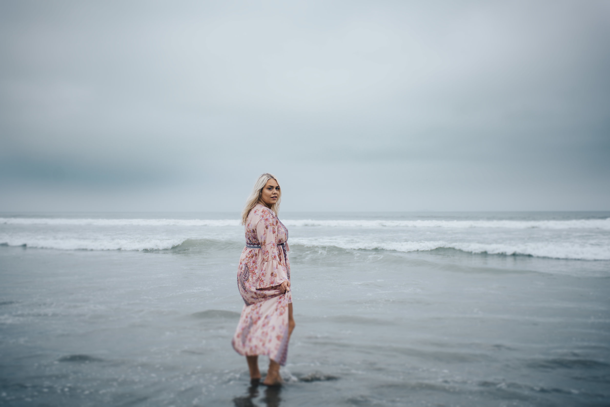 coronado photographer, lifestyle photographer, san diego photographer, san diego beaches, beach, waves, sea, ocean, woman, blonde, portrait, cali girl, southern california,