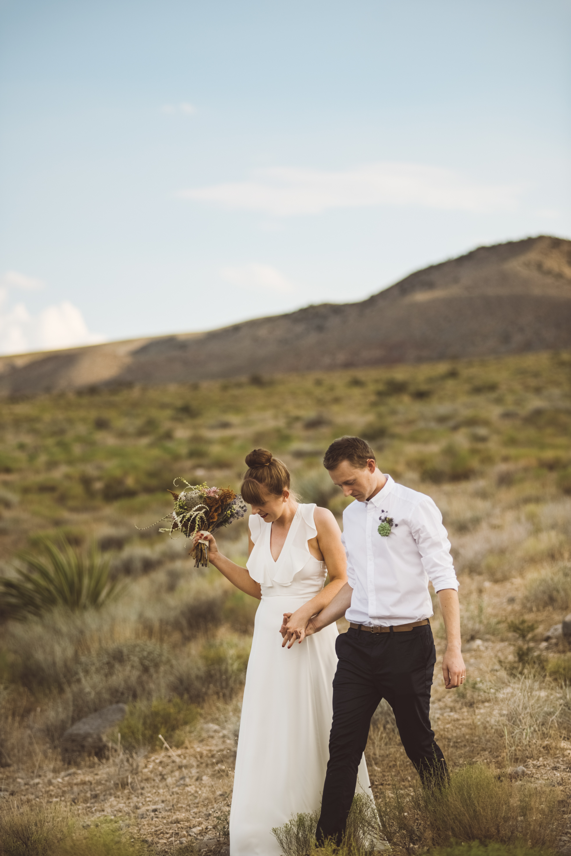 FLora Pop Desert Ceremony Red Rock Las Vegas Photography by Ashley Marie-88.jpg