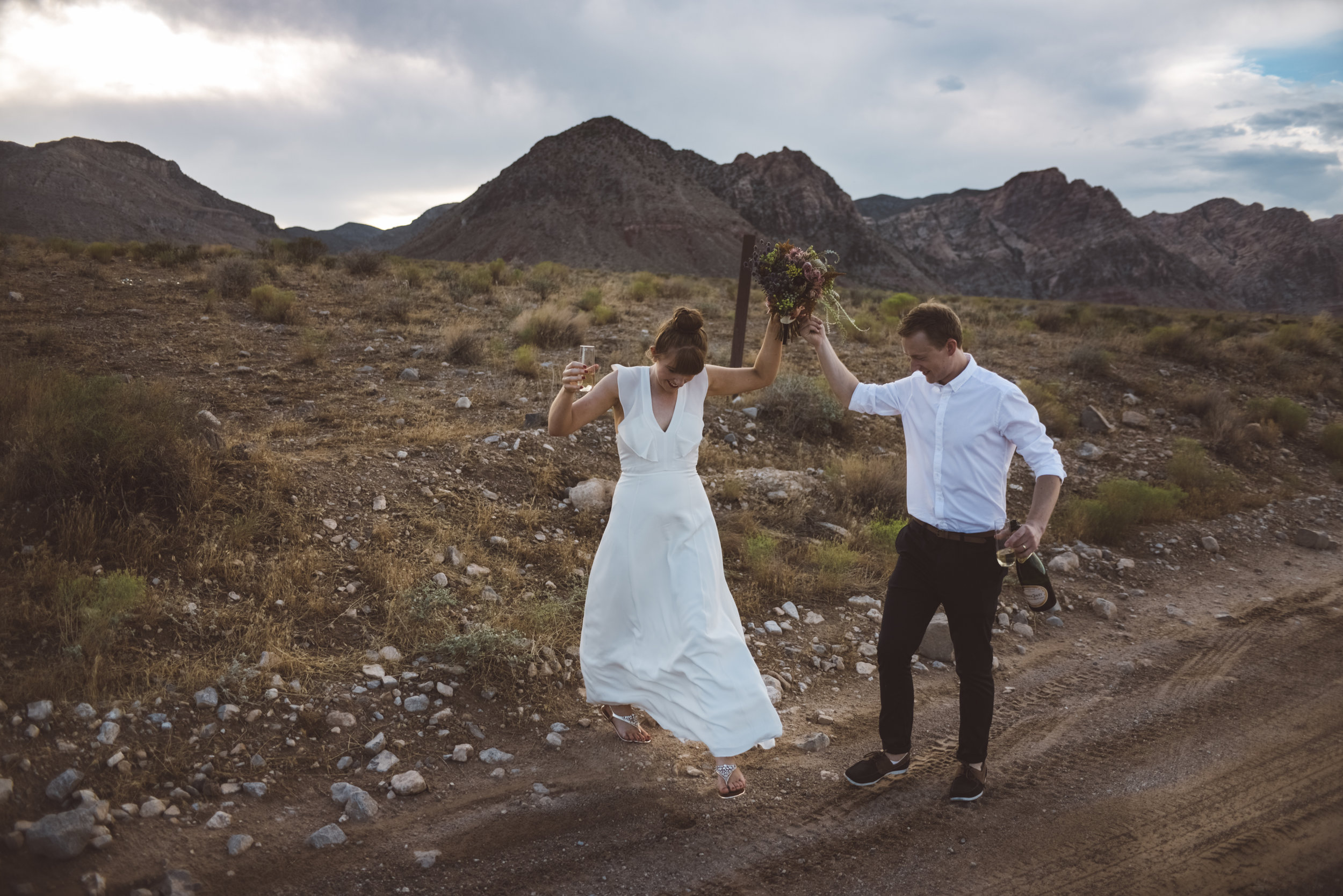 FLora Pop Desert Ceremony Red Rock Las Vegas Photography by Ashley Marie-165.jpg