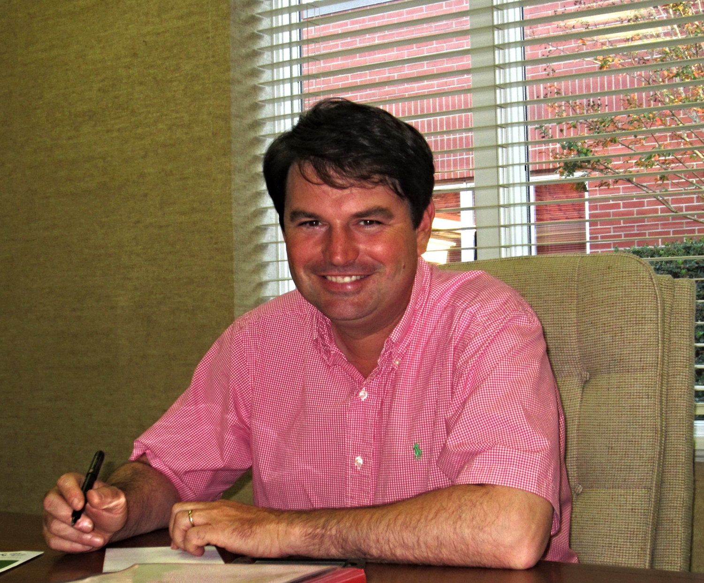 Pinckney Thompson, Minister of Operations
