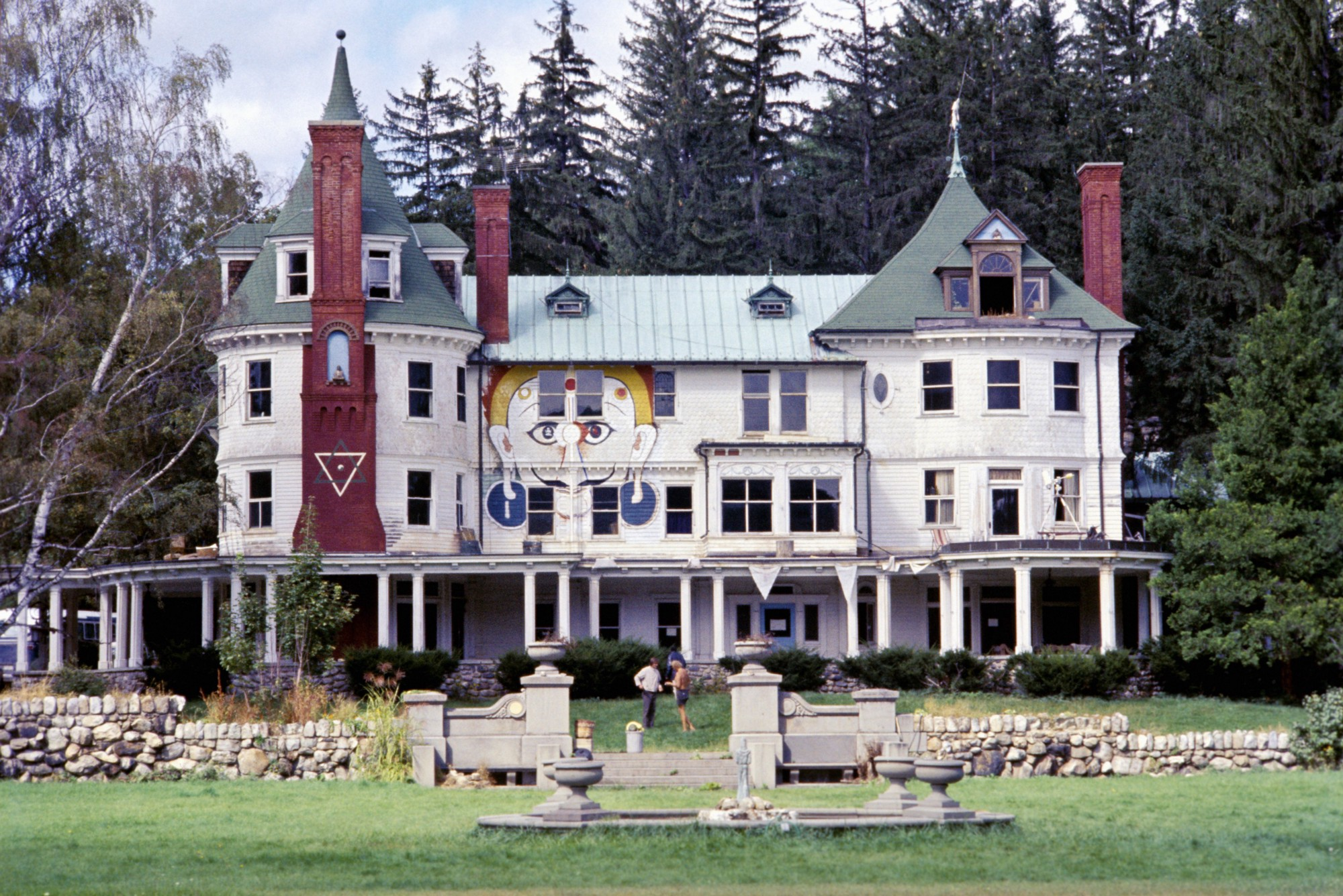 Billy Hitchcock's country estate in Millbrook, New York, was occupied by Timothy Leary and his followers during much of 1967. (Alvis Upitis/Getty Images)