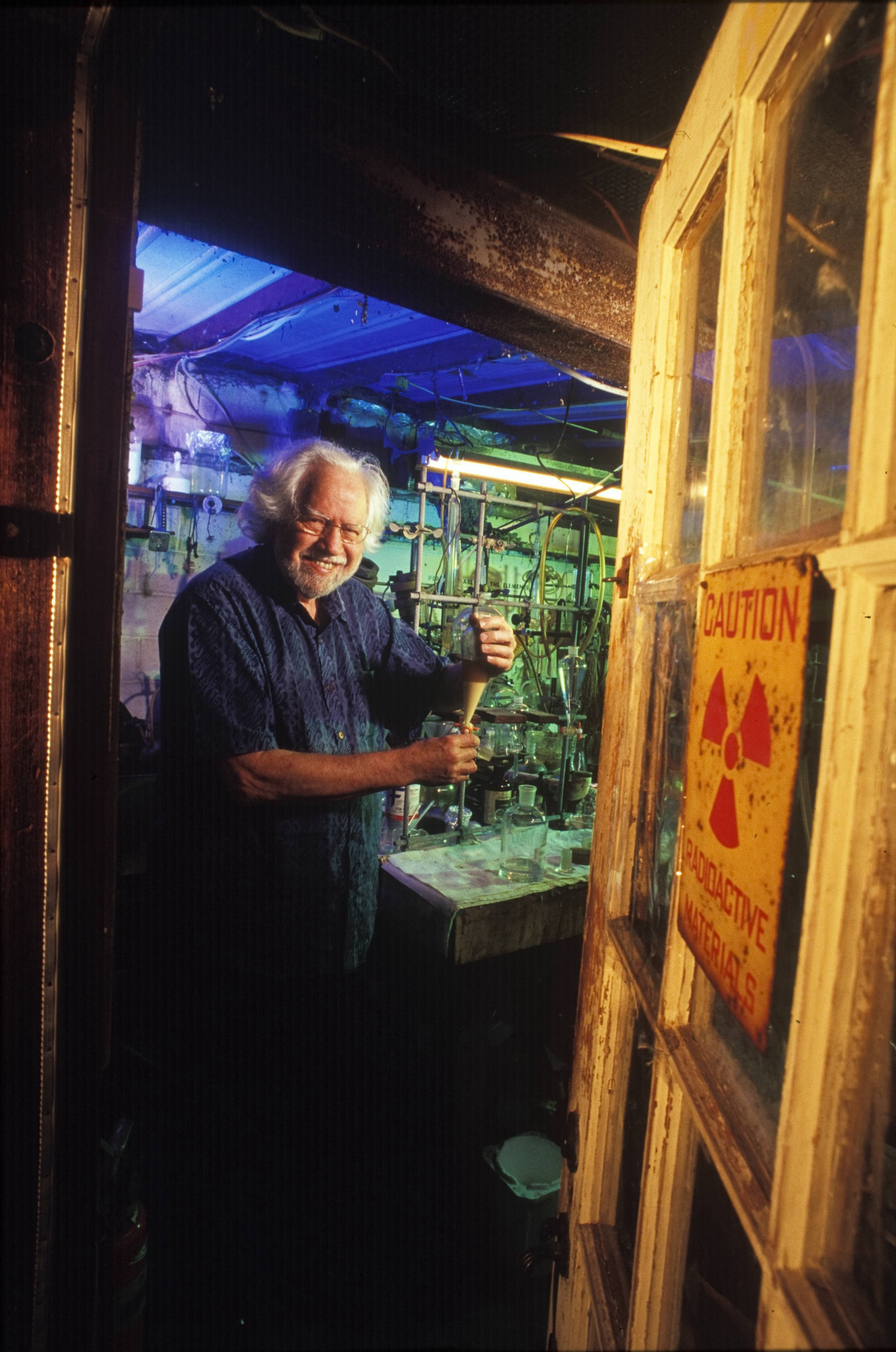 Psychopharmacologist Alexander 'Sasha' Shulgin, developer of MDMA, at his home laboratory in Lafayette, California, in 2002. (Anthony Pidgeon/Getty Images)