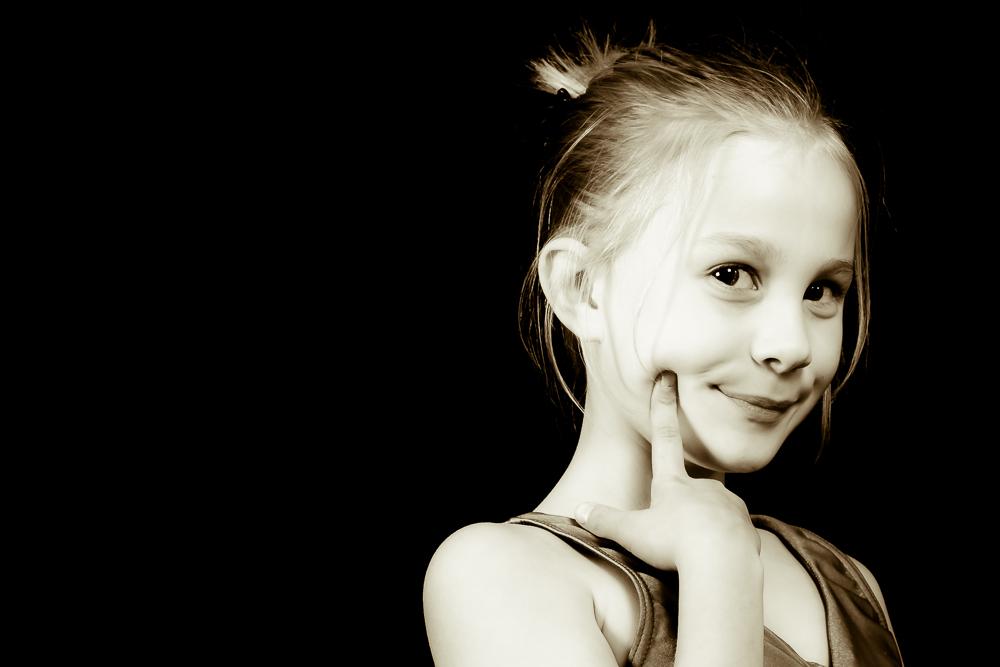 Girl posed, 9
