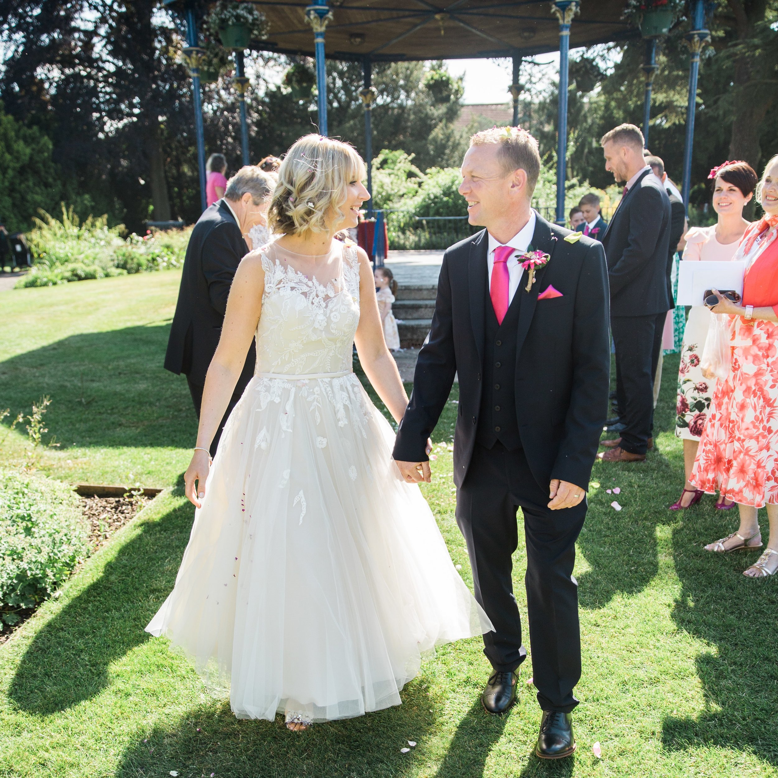 Mr&Mrs Prior-24.jpg