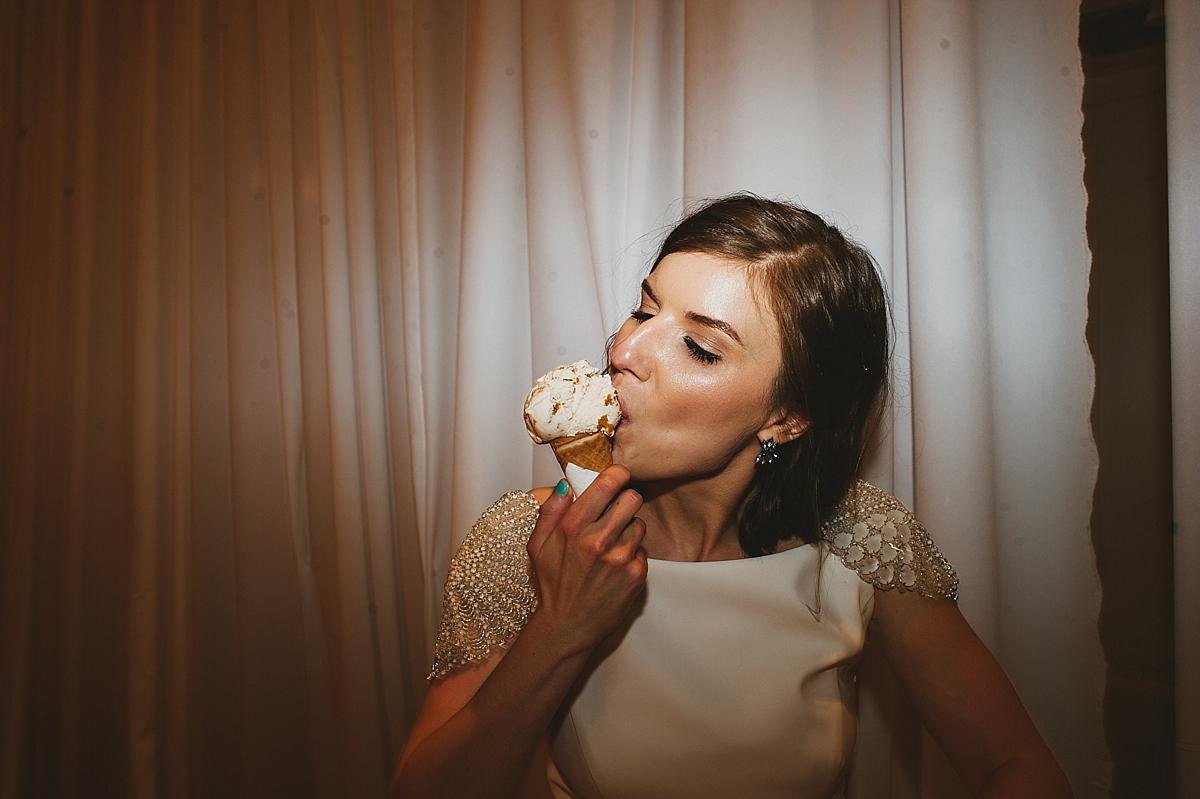 Jane+Jordan_5213_viva_love_philadelphia_wedding_photographer.jpg
