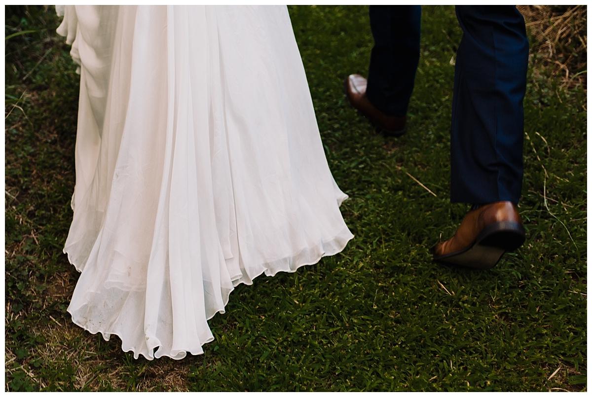 vivalove-sarah-zac-new-hope-pennsylvania-bowman-tower-wildflower-preserve-wedding_0154.jpg