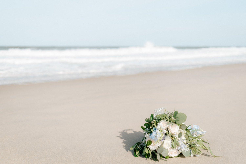 philadelpia-new-jersey-wedding-photographer-beach-backyard-stringlights-fun_0268.jpg