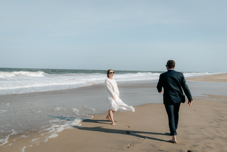 philadelpia-new-jersey-wedding-photographer-beach-backyard-stringlights-fun_0291.jpg