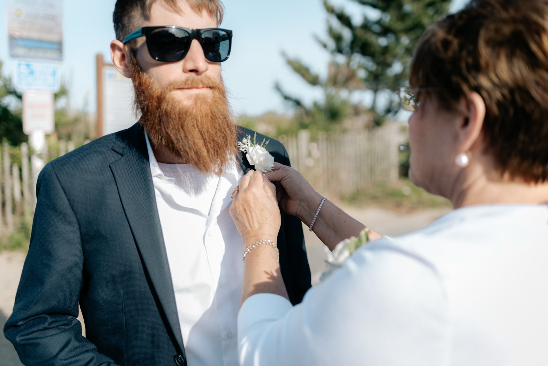 philadelpia-new-jersey-wedding-photographer-beach-backyard-stringlights-fun_0297.jpg