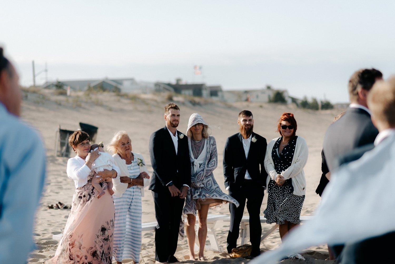 philadelpia-new-jersey-wedding-photographer-beach-backyard-stringlights-fun_0304.jpg