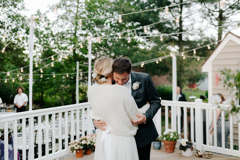 philadelpia-new-jersey-wedding-photographer-beach-backyard-stringlights-fun_0316.jpg