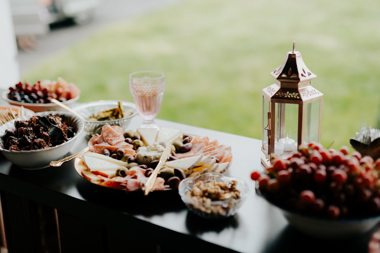 philadelpia-new-jersey-wedding-photographer-moody-reception-design-details-placesetting_0350.jpg