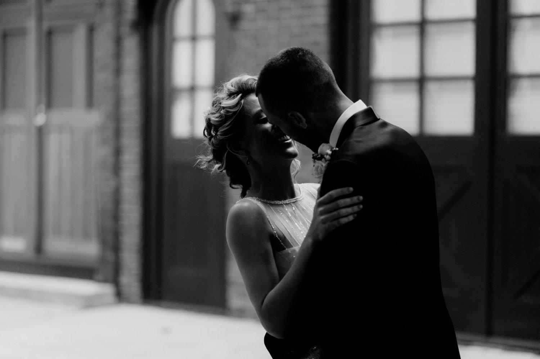 philadelpia-new-jersey-wedding-photographer-moody-reception-design-details-cityscape_0383.jpg