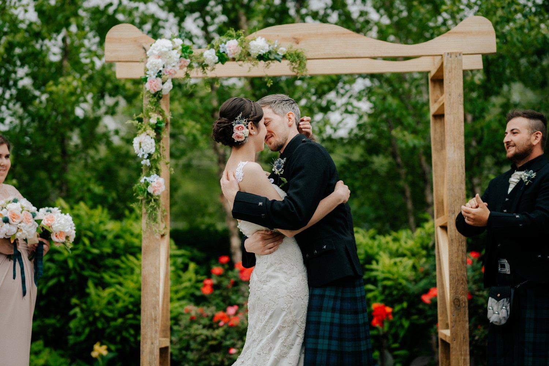philadelpia-new-jersey-wedding-photographer-moody-reception-design-details-cityscape_0421.jpg