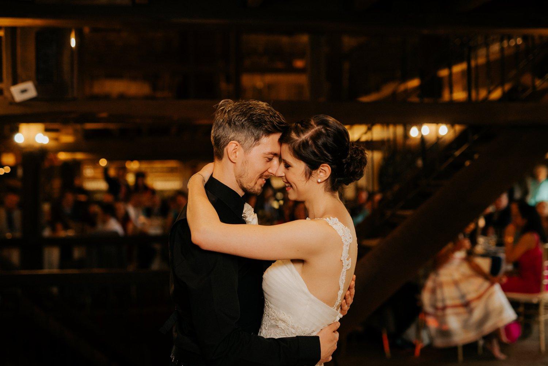 philadelpia-new-jersey-wedding-photographer-moody-reception-design-details-cityscape_0426.jpg