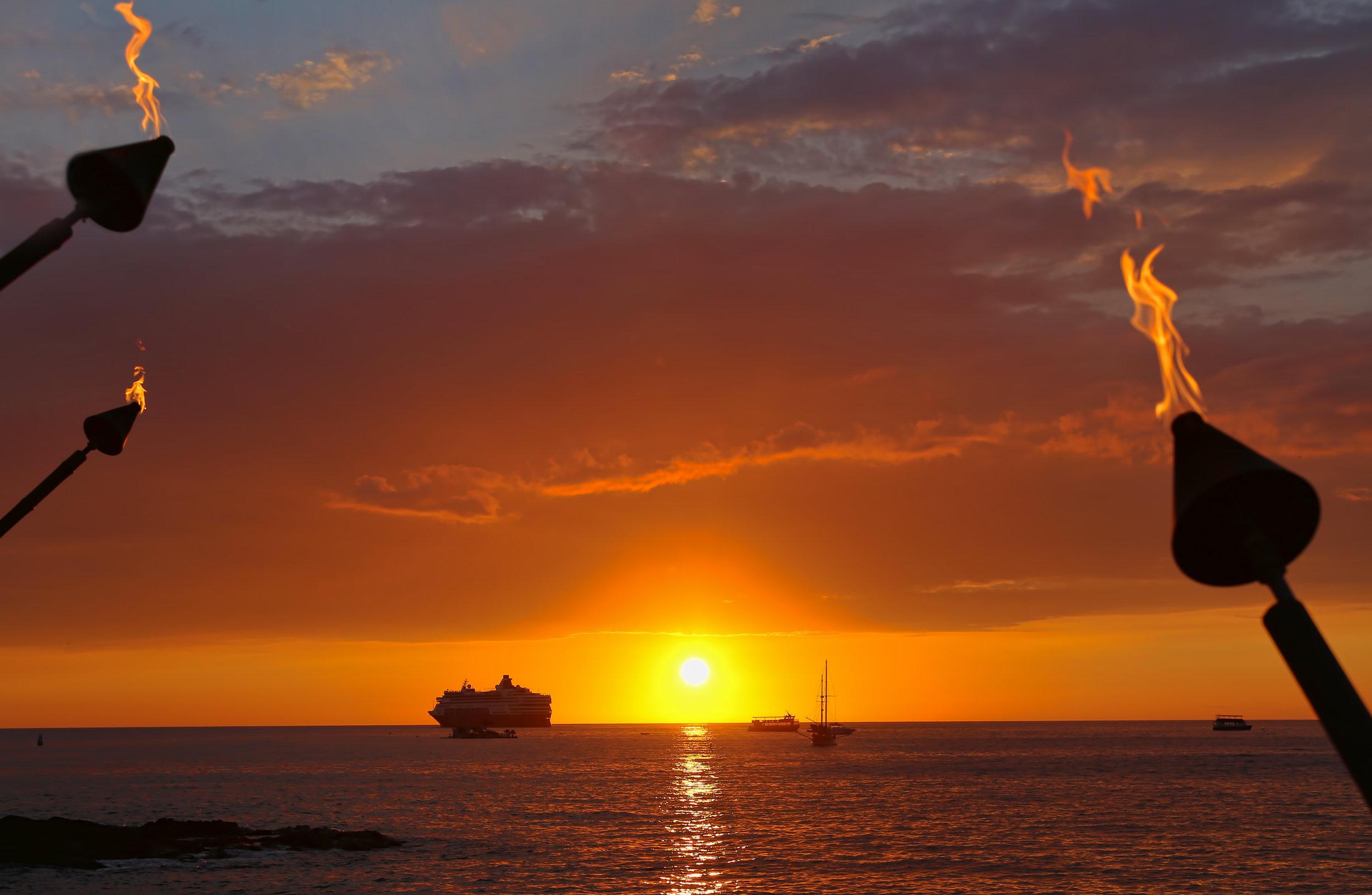ship sailing away 2.jpg