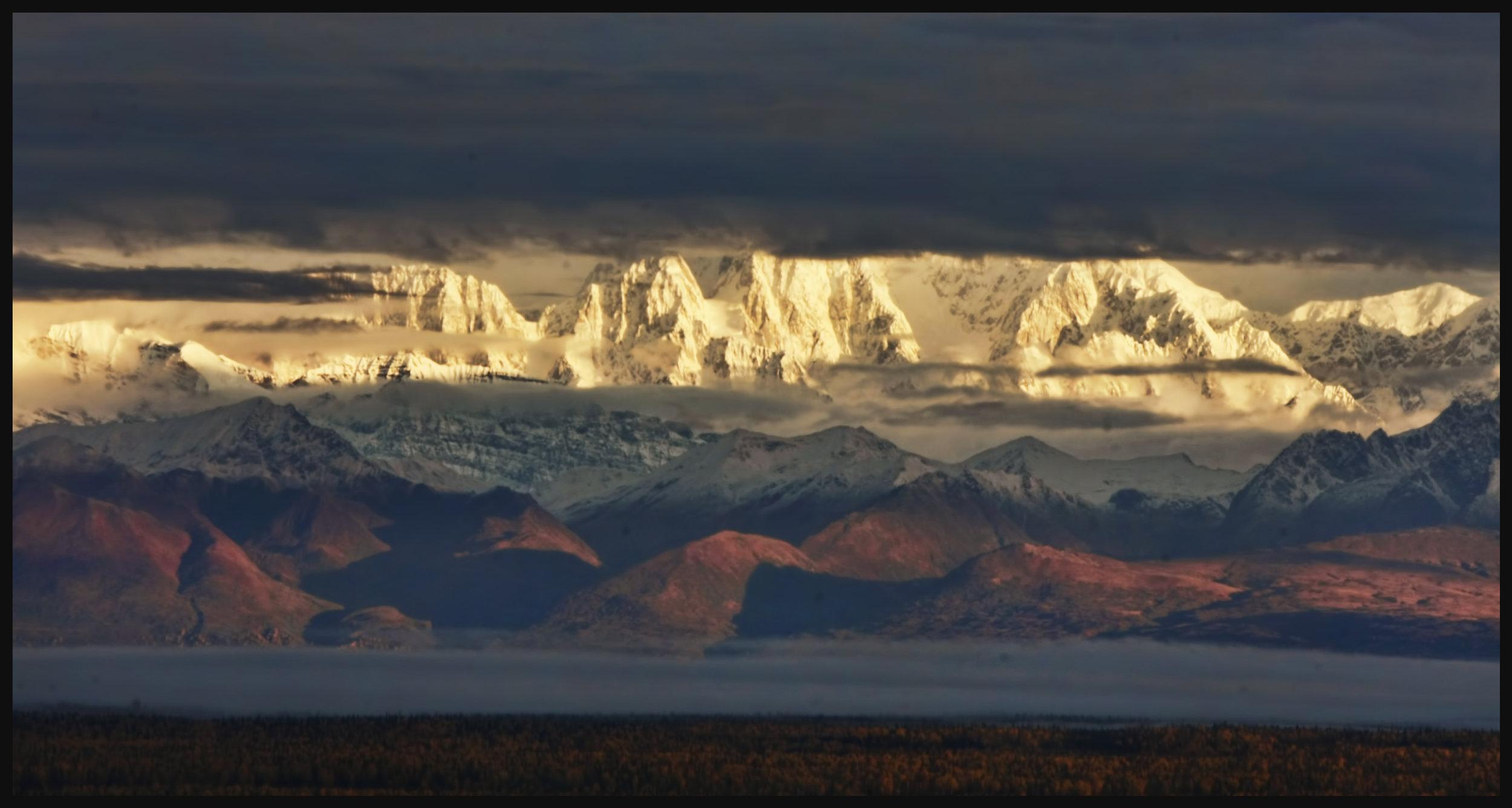 denali range sunrise HD.jpg