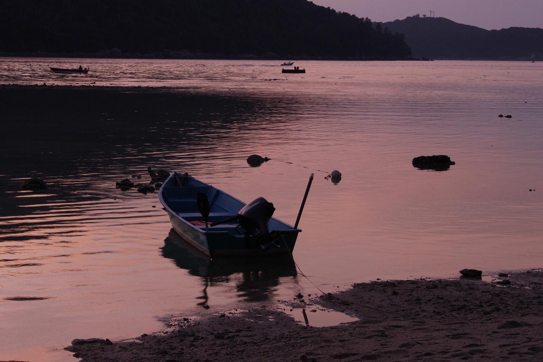 pink_boat_web.jpg