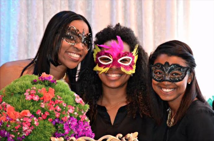 Lauren, Rhea and Bri at GetWedForLess bridal event
