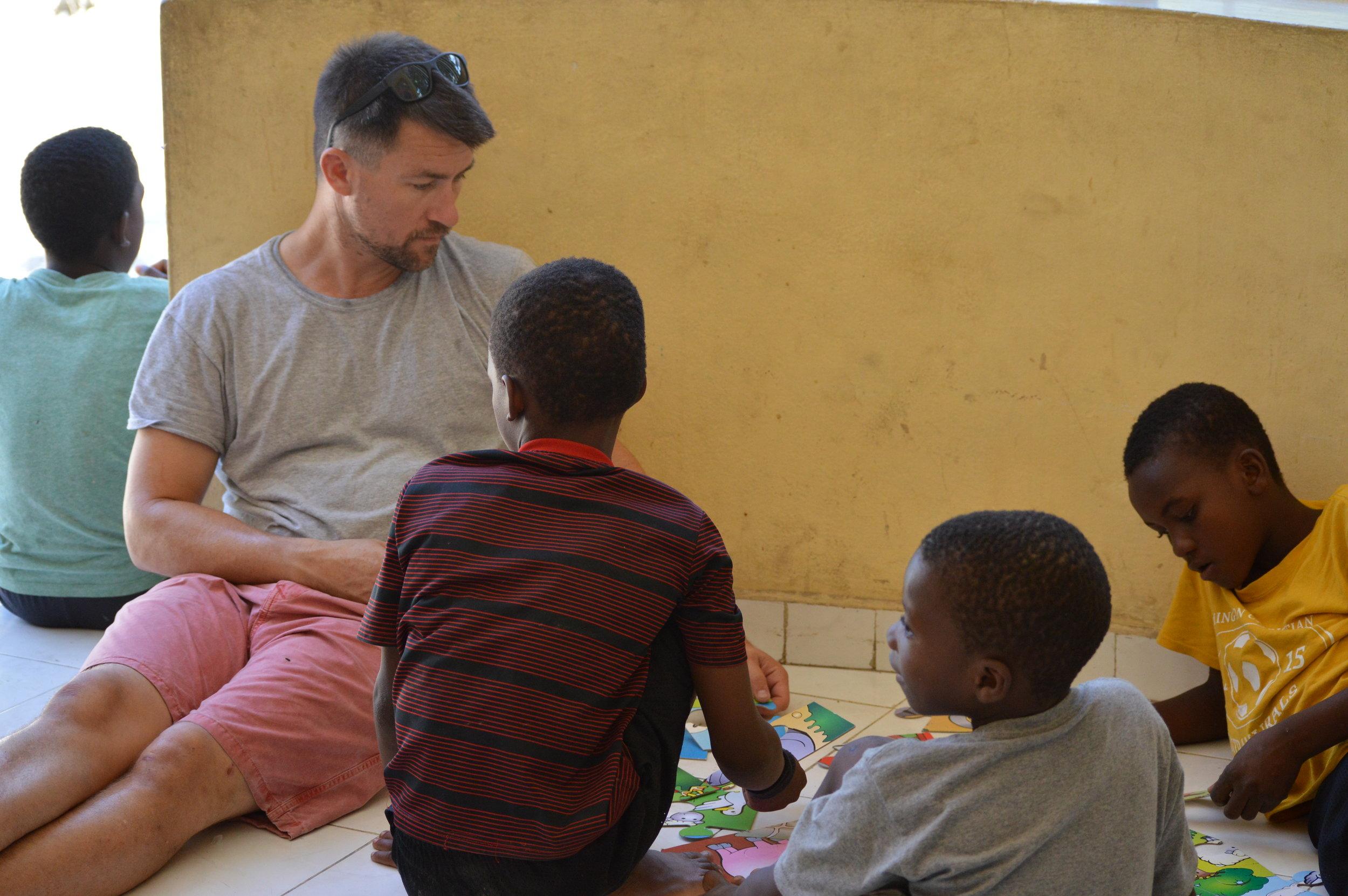 David kids puzzles.JPG
