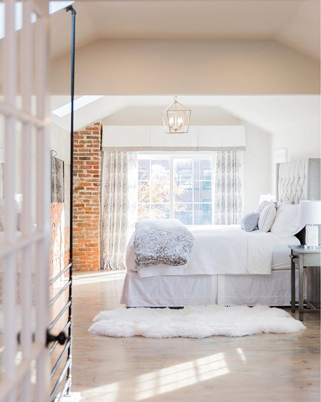 Rise and Shine! Who wouldn't want to wake up in this beautiful Master Suite?  @sycamorecompany's newest airbnb, Downtown Vista, has plenty of beautiful space & rooms to relax, unwind and enjoy in Downtown Lancaster City. And their Master Suite is simply stunning!