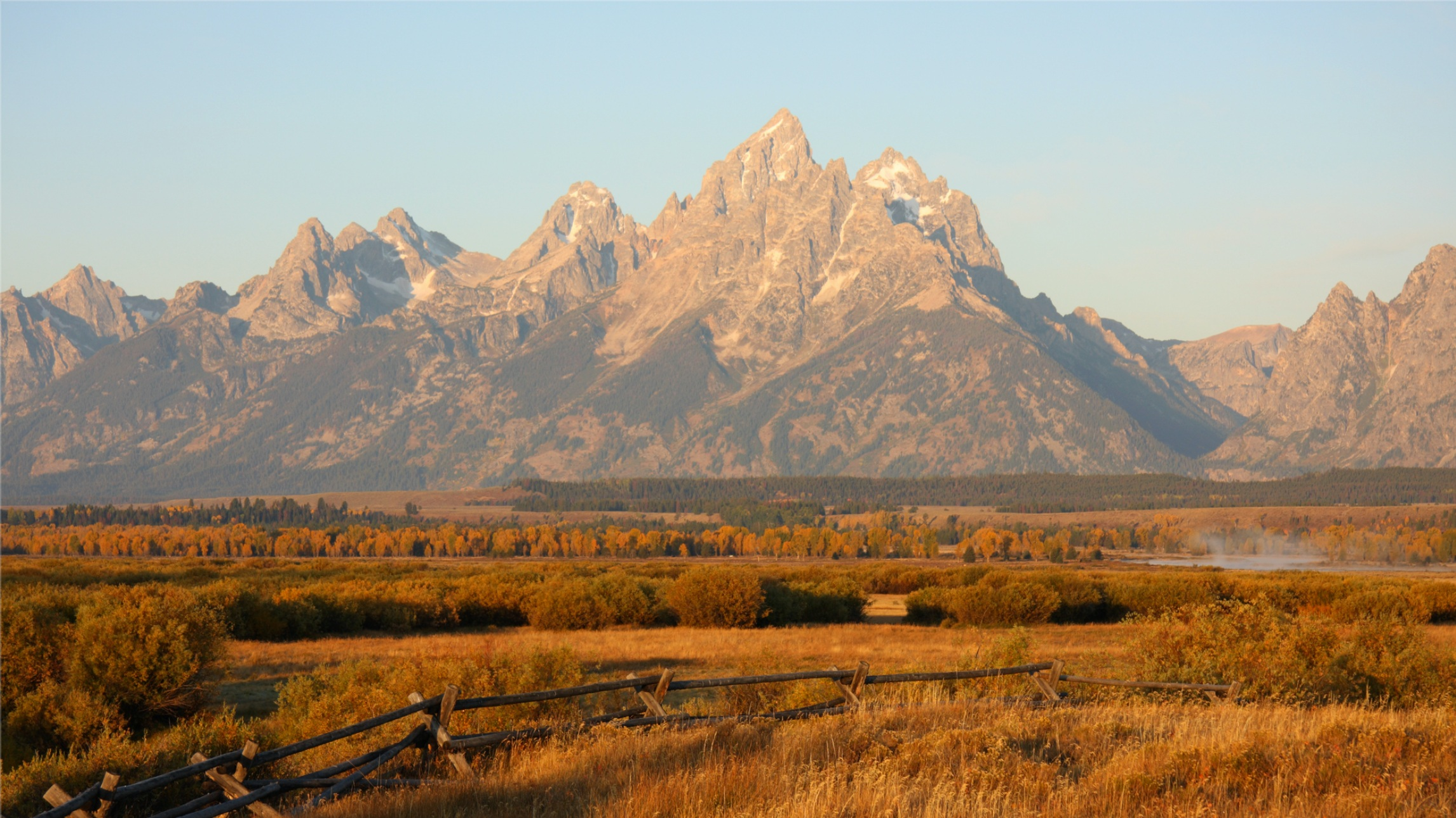 JACKSON HOLE - A UNIQUE EXPERIENCE IN THE GREAT OUTDOORSWHERE THE NATIONS HAVE COME TO OUR DOORSTEPClick here for more information